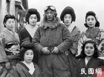 我们抗战时,看看这些日本女人在干什么