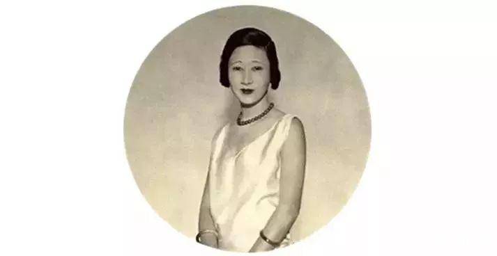 她曾是中国的总理夫人,最终却沦为弃妇,孤独终老