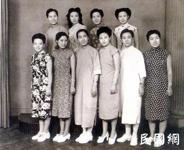 """民国""""女团""""越剧十姐妹和她们的《山河恋》"""