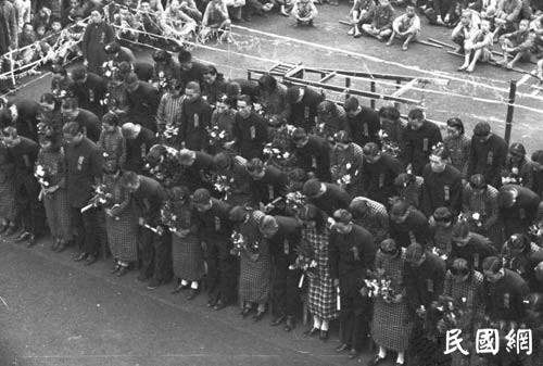 老照片旧时光:民国集体婚礼   仪式感更强