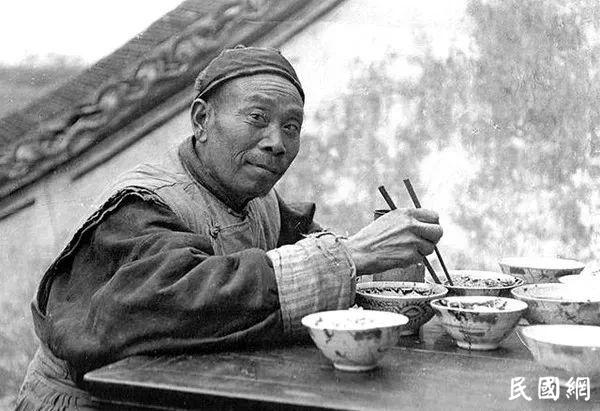 老照片旧时光:上海记录(1912-1949)