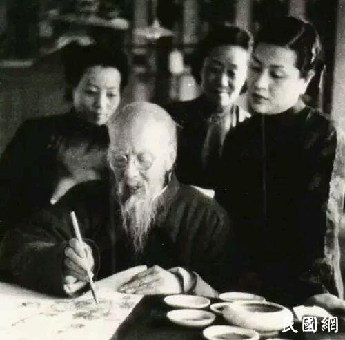 老年齐白石娶18岁女佣连生7子,83岁时再次当父亲
